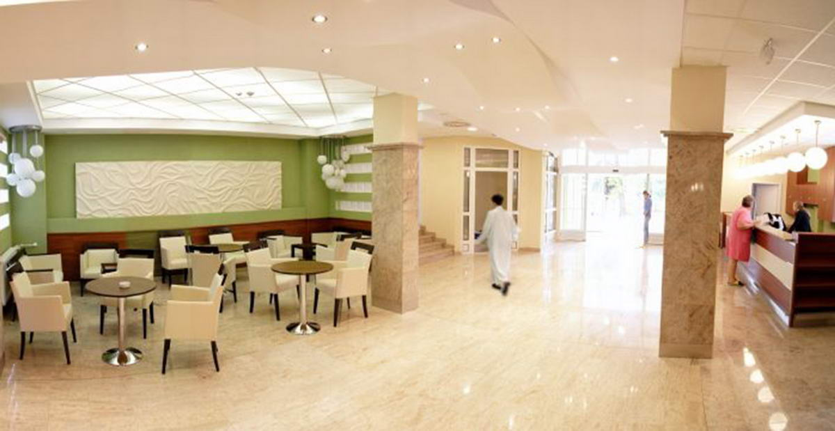 hungarospa_thermal_hotel_hall.jpg